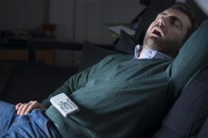 Dormire con la tv accesa
